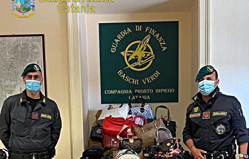 """Catania. Gdf sequestra centinaia di capi di abbigliamento contraffatti a """"fera o' luni"""""""