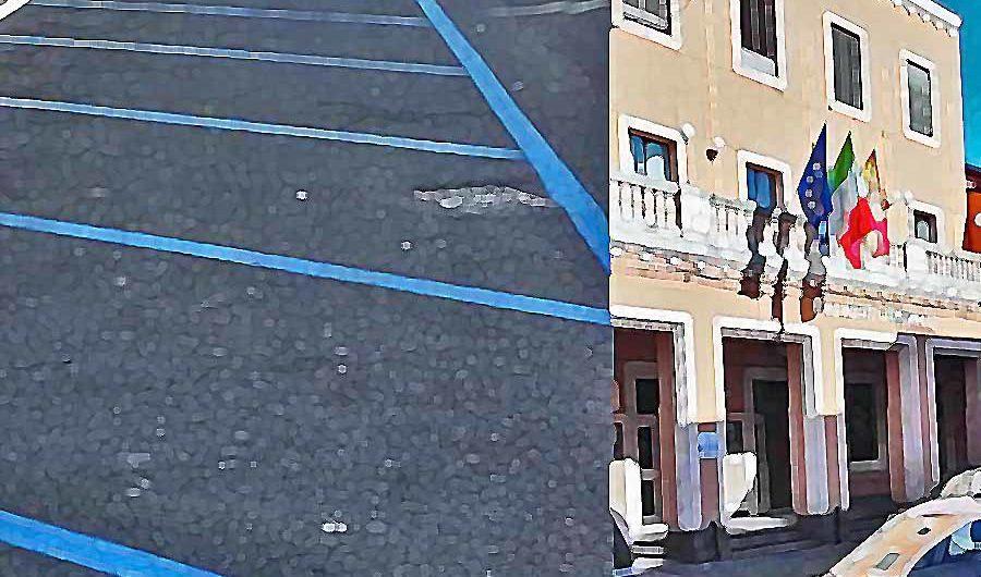 Biancavilla. Strisce blu, 40 euro al mese per i residenti. «Il sindaco non mi riceve e mi blocca su Facebook»
