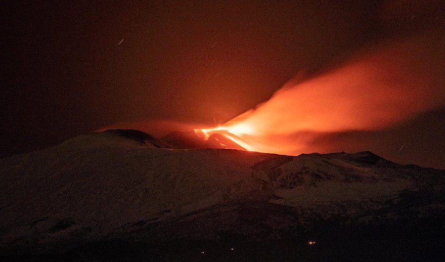 Etna. Fontane di lava dal cratere di Sud-Est