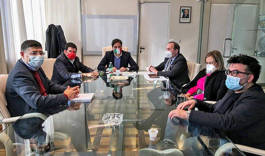 Assistenti scolastici Paternò e a Santa Maria di Licodia, firmata proroga contratto